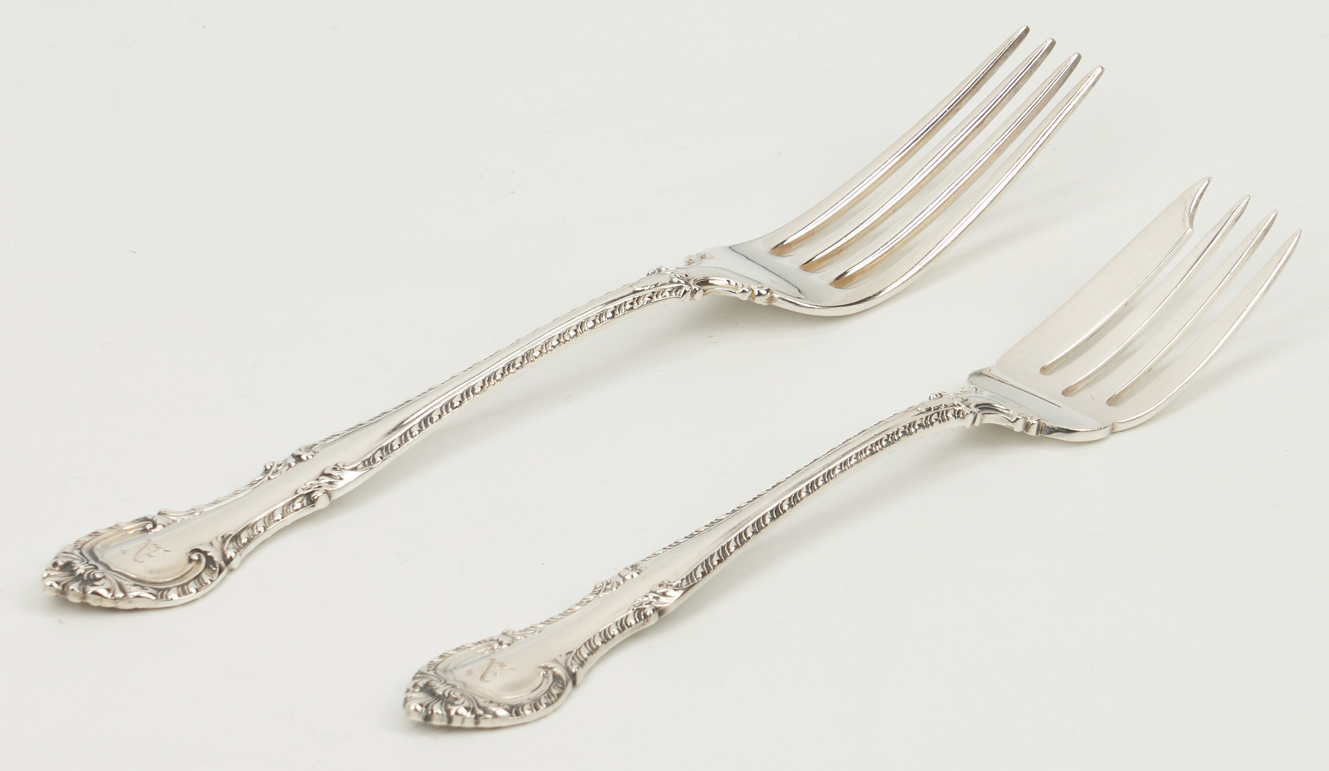 Lot 237: 84 Pcs. Sterling Silver, incl. Gorham English Gadroon Flatware