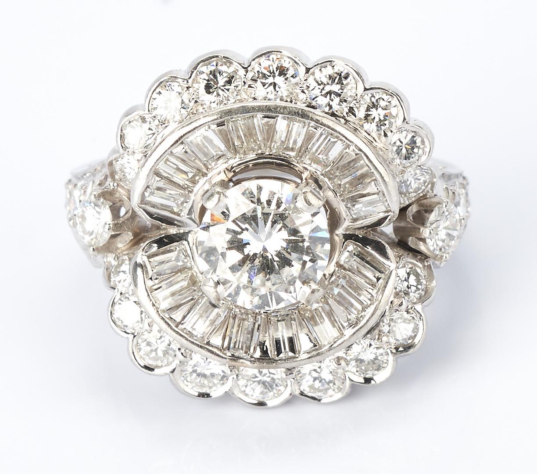Lot 26: Ladies Platinum & Diamond Dinner Ring, 3.67 Carats