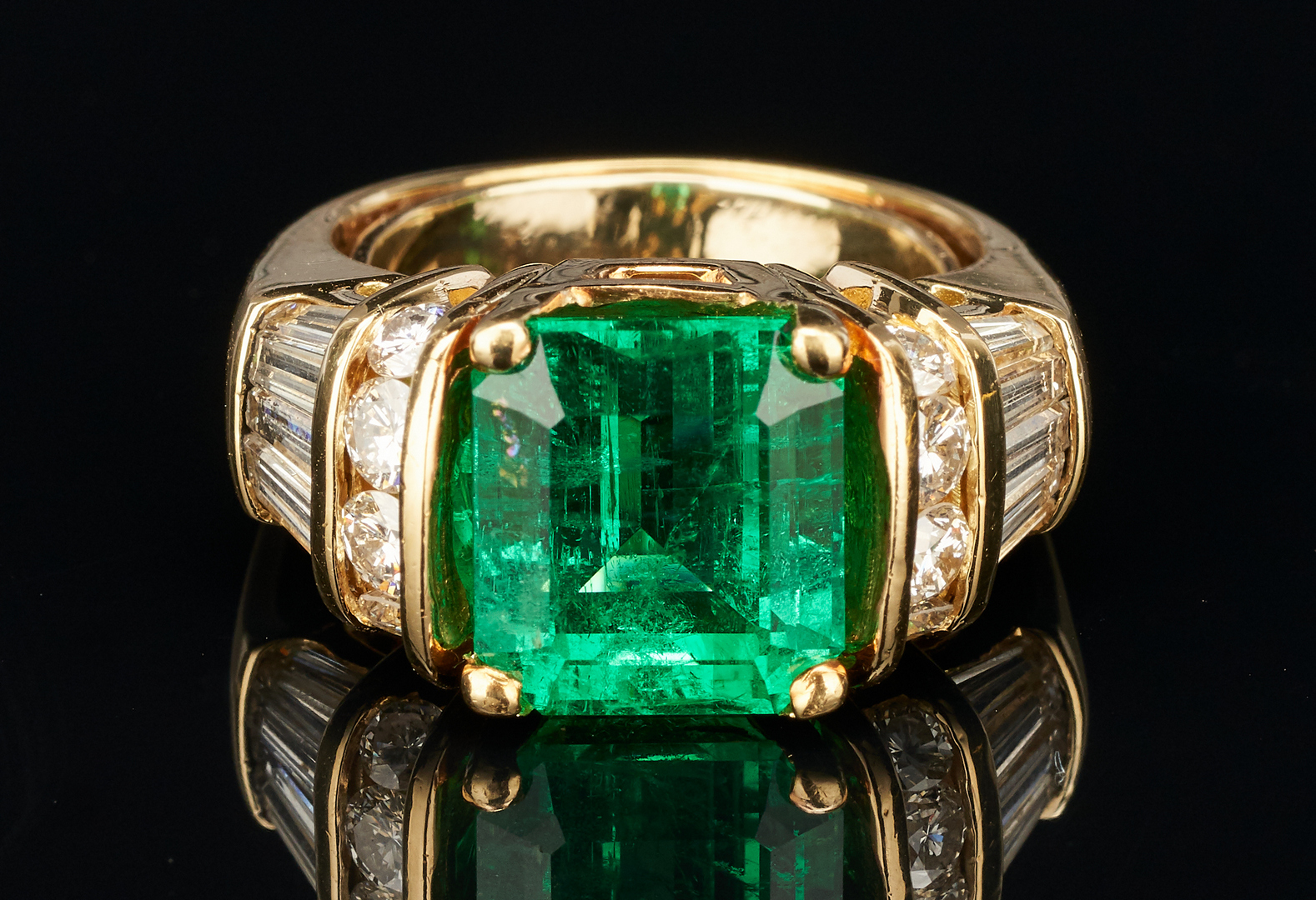 Lot 31: Ladies 18K Emerald & Diamond Ring, 5 Carats