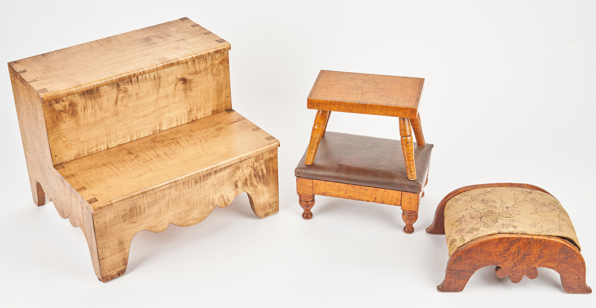 Lot 355: Tiger Maple Bed Steps & 3 Footstools, 4 items