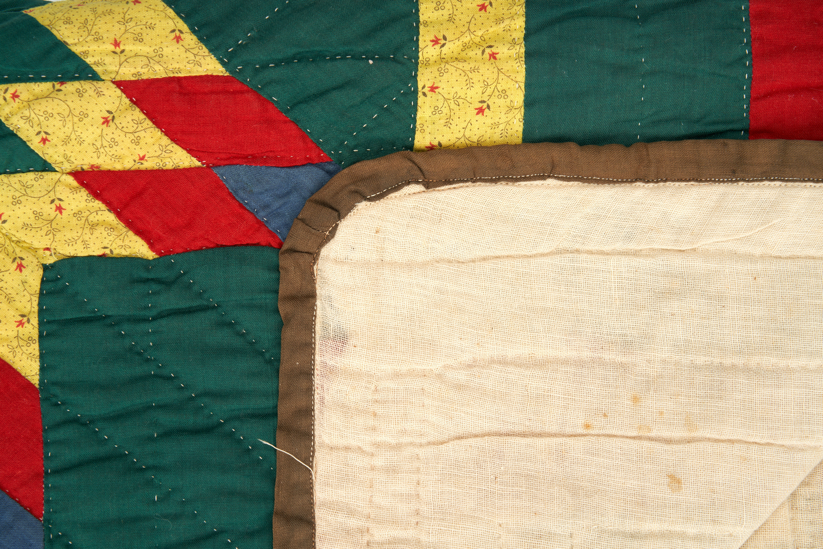 Lot 414: American Pieced Cotton Quilt, Star of Bethlehem