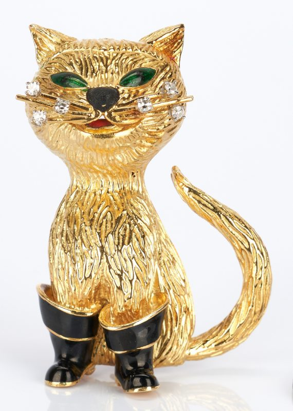 """Lot 427: 18K Gold and Diamond """"Puss 'n Boots"""" Pin"""