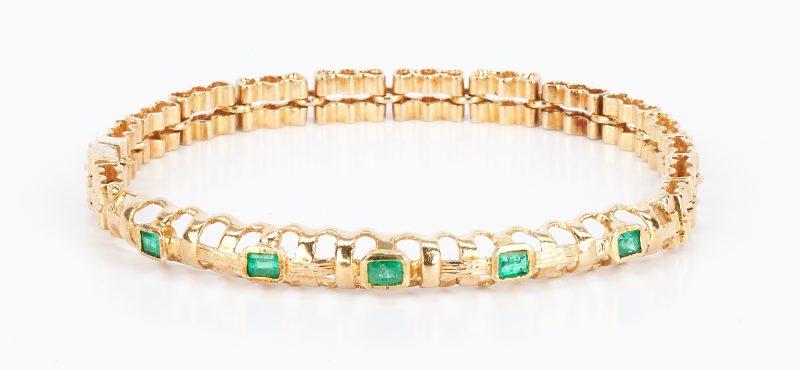 Lot 434: 22K Gold and Emerald Bracelet