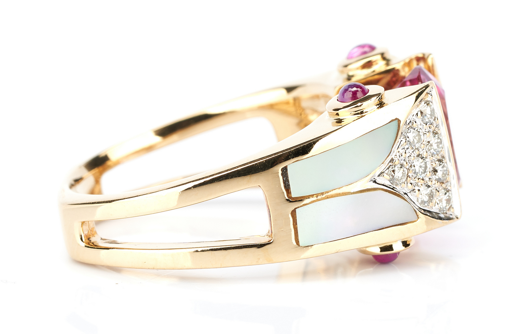 Lot 445: Ladies 18K Gold Diamond & Mother of Pearl Ring