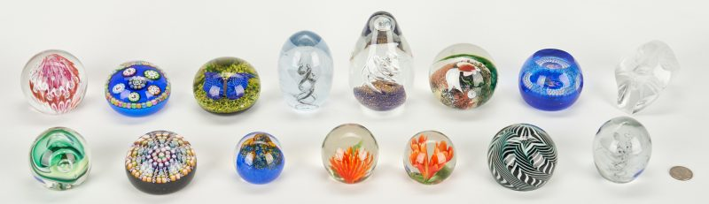 Lot 480: 15 Paperweights, incl. Baccarat, Lalique