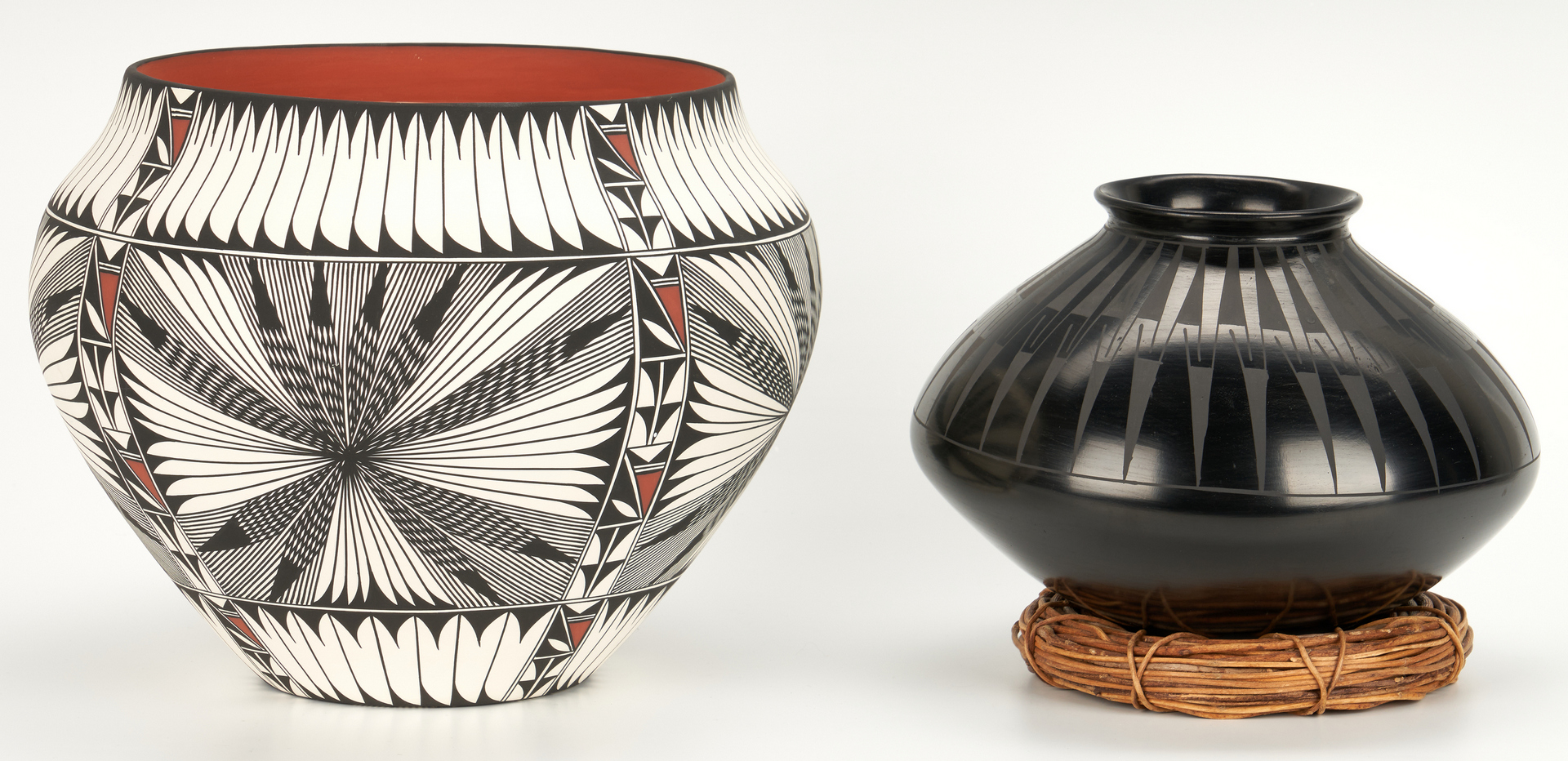 Lot 575: 4 Mexican/Southwest Pottery Items