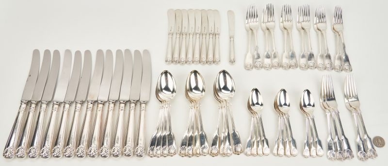 Lot 65: 61 pcs English Shell and Thread Flatware