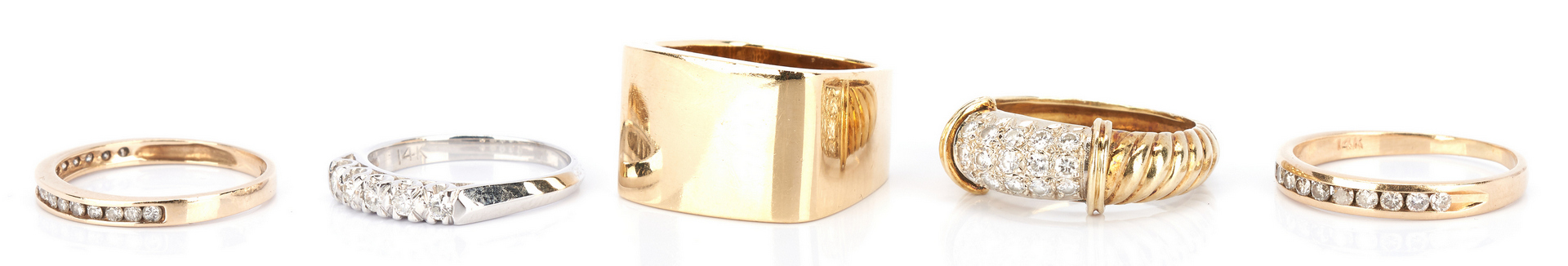 Lot 724: 5 Ladies Gold and Diamond Rings