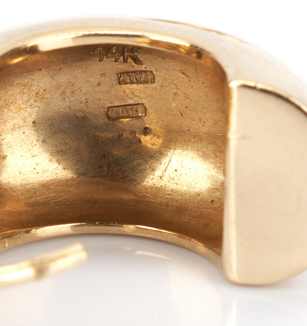 Lot 725: 2 14K Gold Pairs of Earrings, 1 Greek Key & 1 Huggie