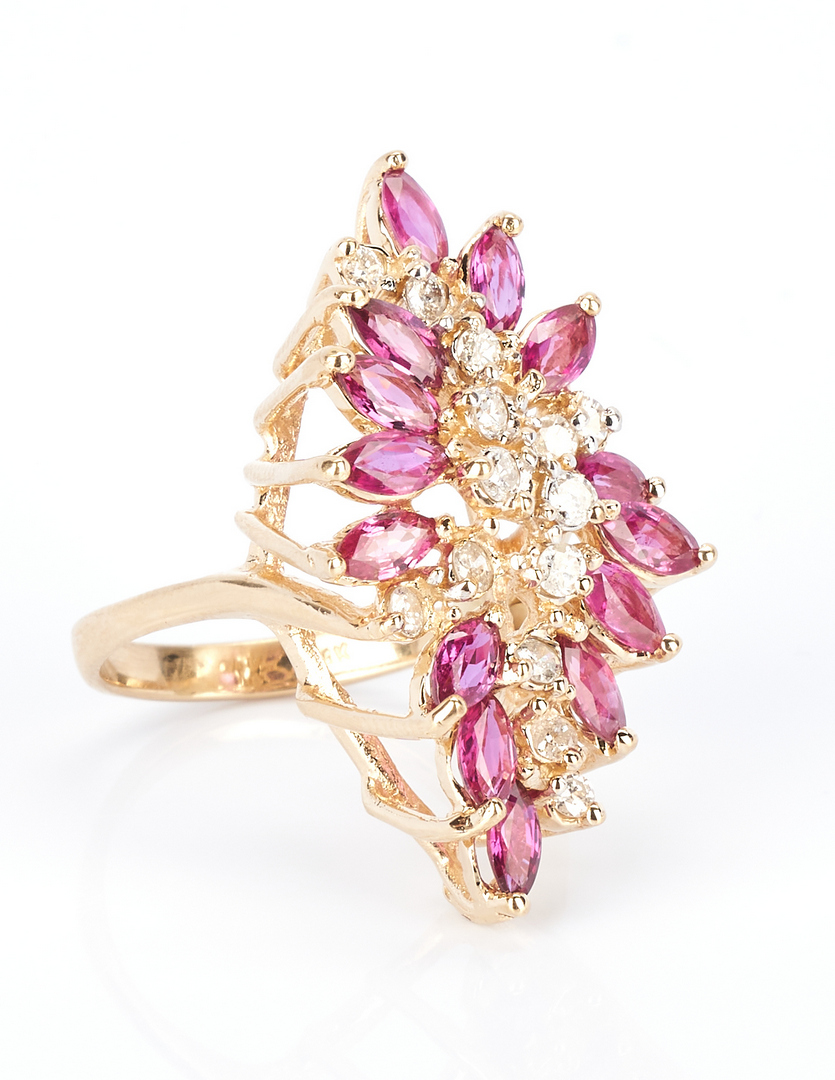 Lot 735: Ladies Ruby & Diamond Dinner Ring