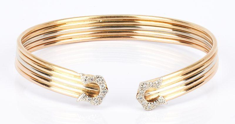 Lot 736: Ladies 18K Gold and Diamond Bangle Bracelet