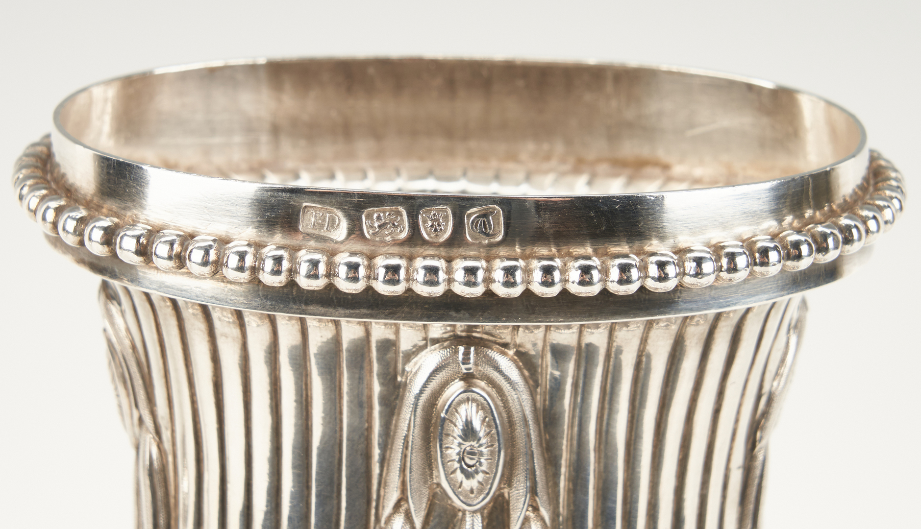 Lot 802: George III Neoclassical Silver Epergne