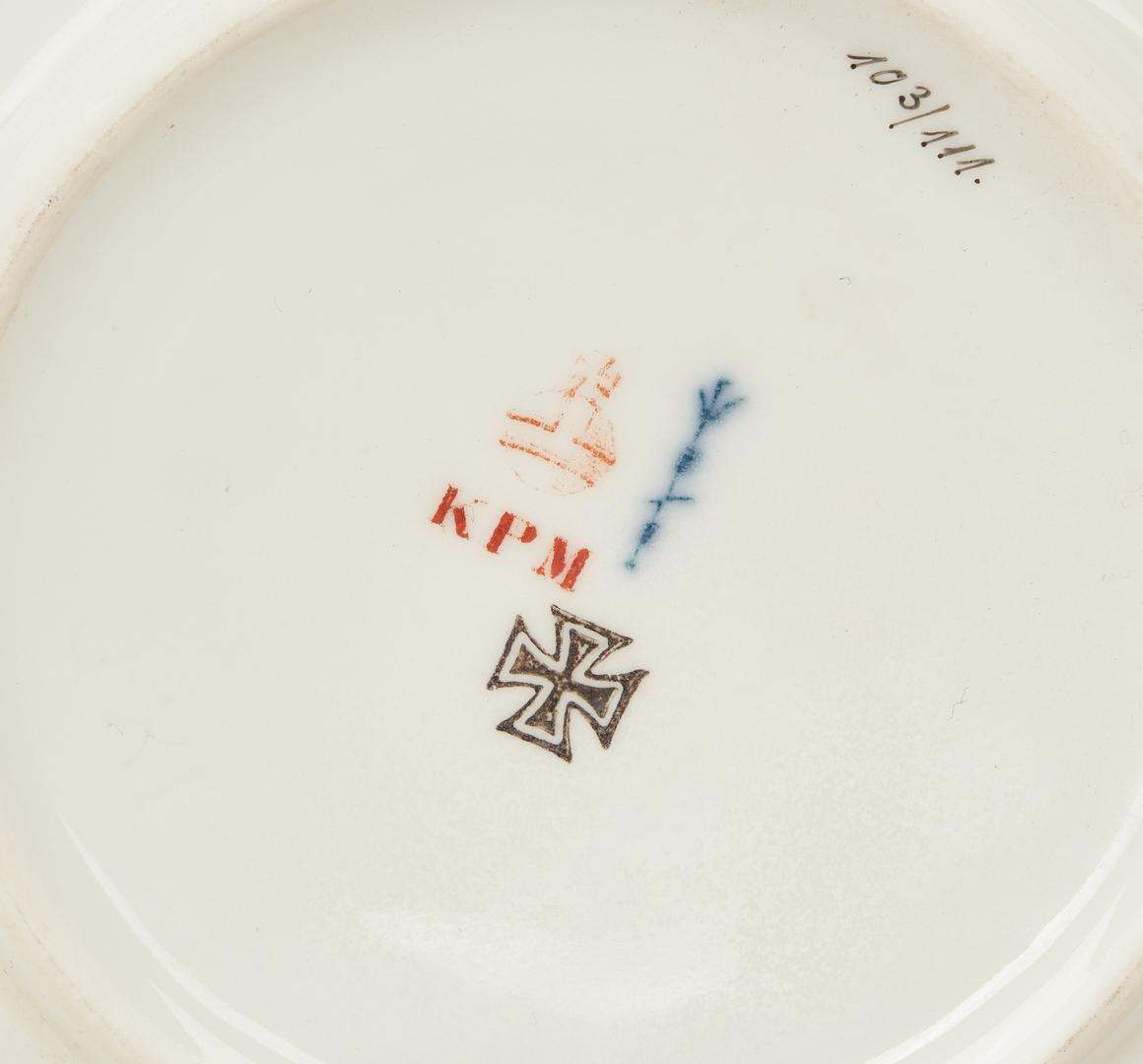 Lot 839: 18 Meissen and KPM Porcelain Items, incl. Kakiemon Plate