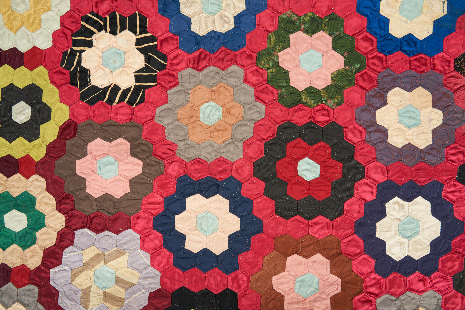 Lot 873: American Silk Mosaic or Honeycomb Pattern Quilt