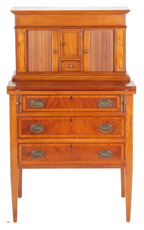 Lot 889: Ladies Benchmade Hepplewhite Writing Desk