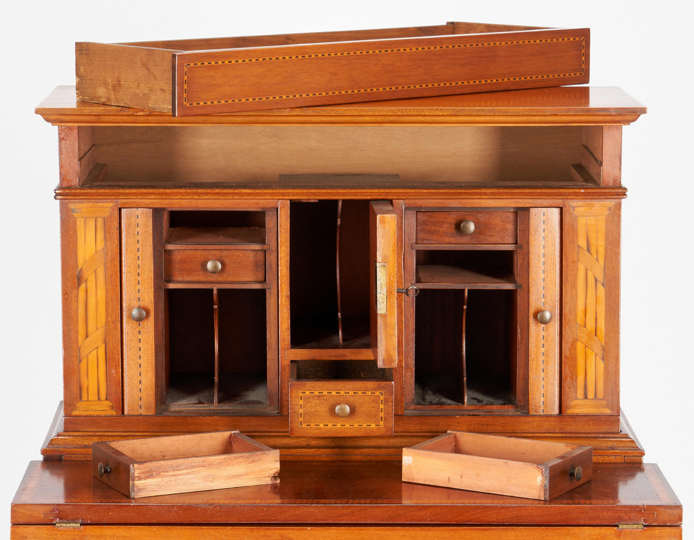 Lot 889: Ladies Benchmade Hepplewhite Writing Desk