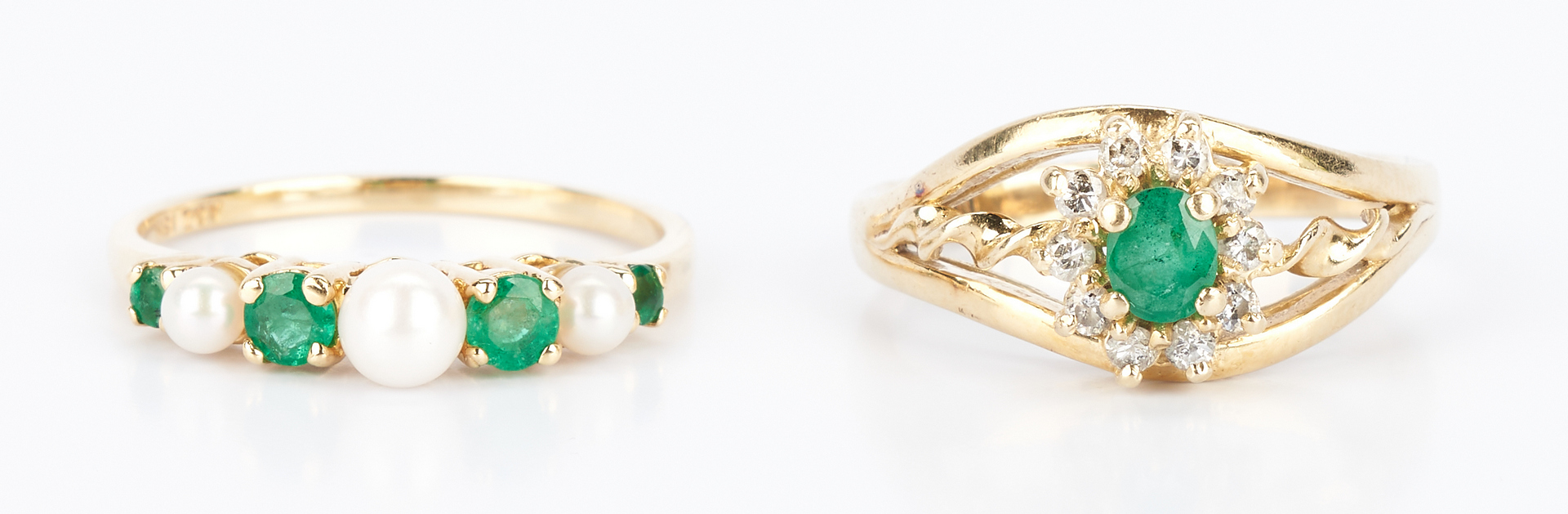 Lot 918: Gold & Emerald Bracelet and Rings