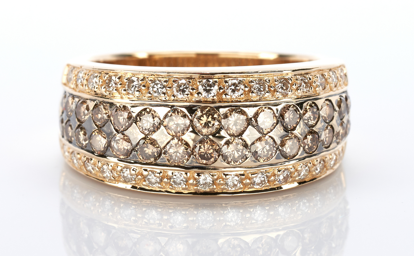 Lot 922: Ladies 18K Chocolate Diamond Tapered Band Ring