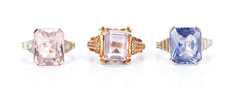 Lot 929: 3 Gold Rings with Gemstones