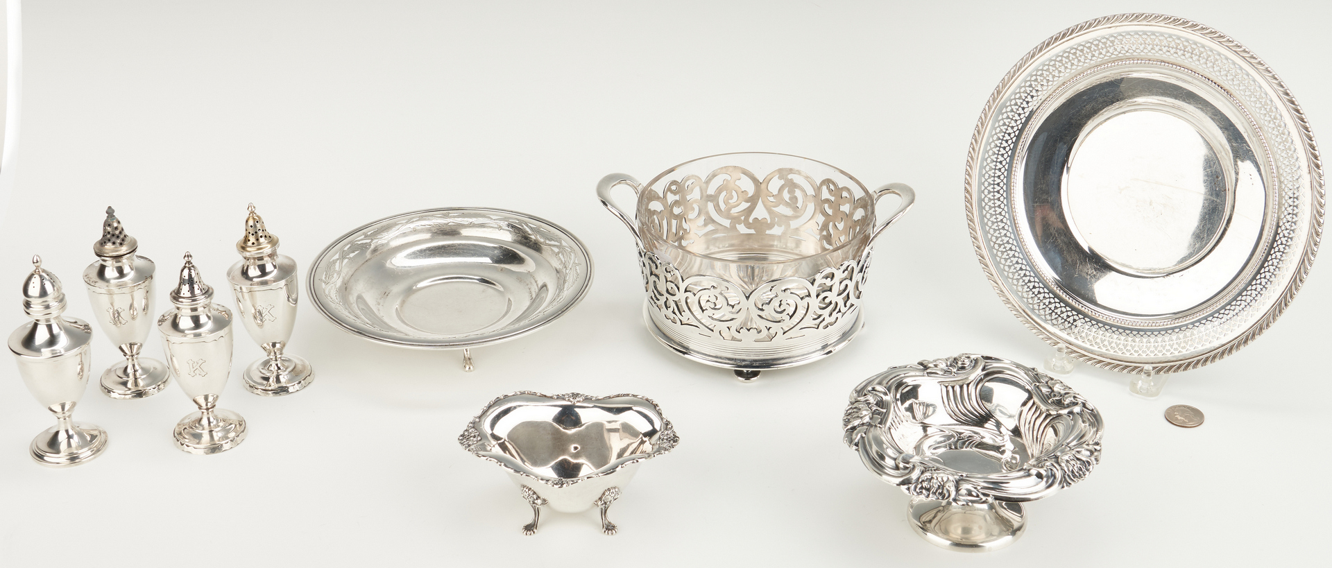 Lot 934: 9 pcs holloware incl. ice bucket, candy dishes