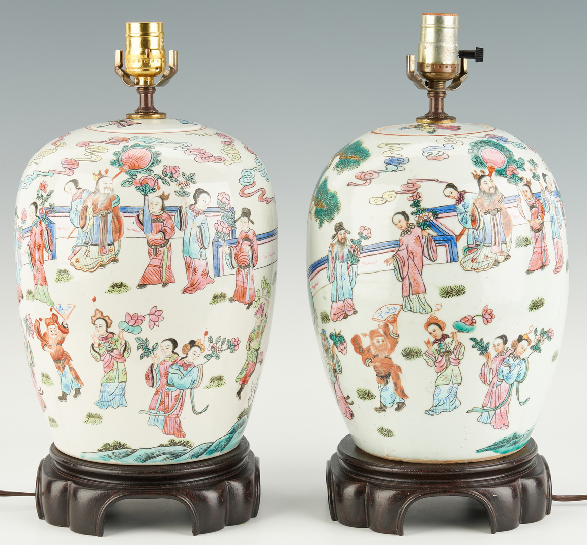 Lot 1095: Pair of Chinese Porcelain Lamps