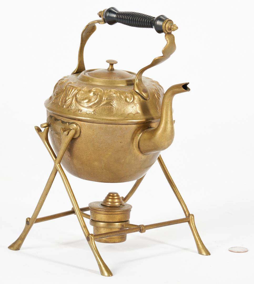 Lot 1116: 10 Brass Hearth & Kitchen Items