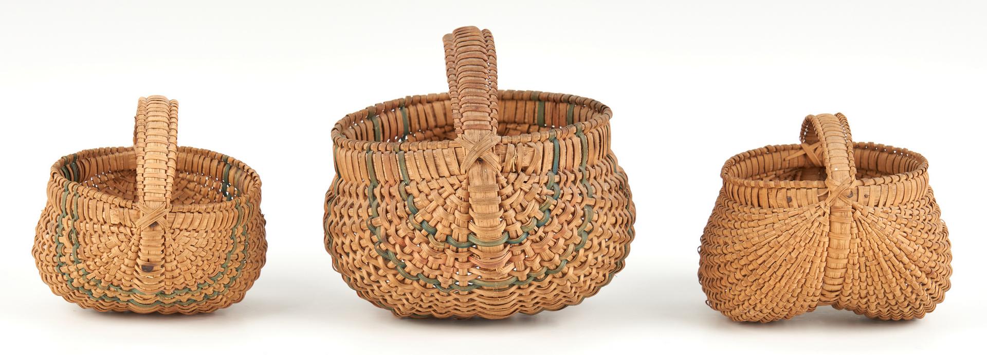 Lot 203: 3 Miniature Virginia Buttocks Baskets
