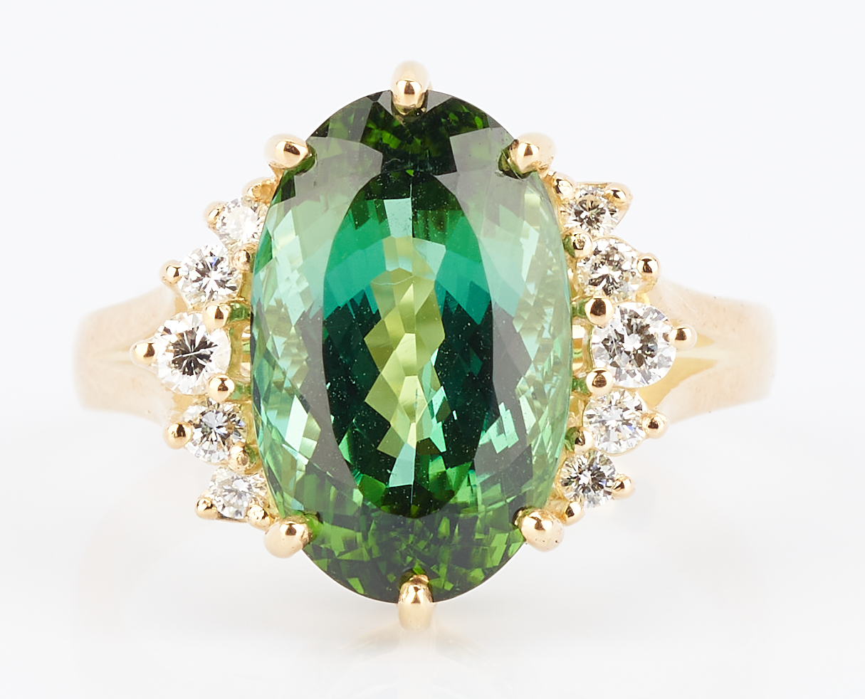 Lot 254: H. Stern 18K Green Tourmaline Ring, 5 Carats