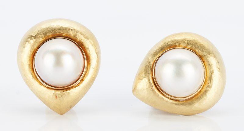 Lot 269: Pair Lombari Vendorafa 18K Mabe Pearl Earrings