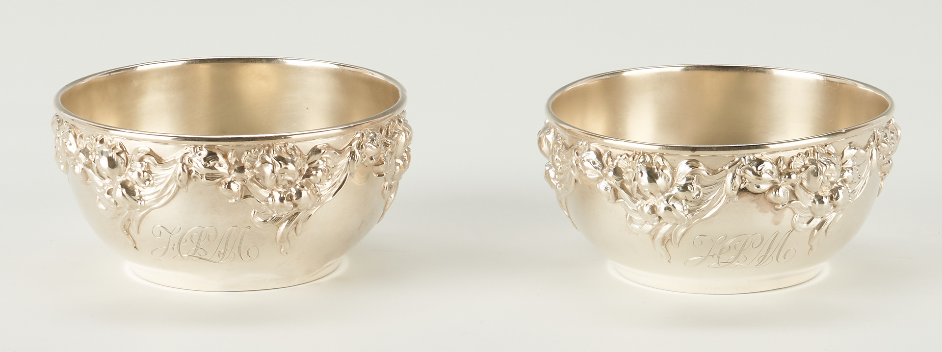 Lot 285: Set of 9 Wallace Sterling Silver Repousse Bowls