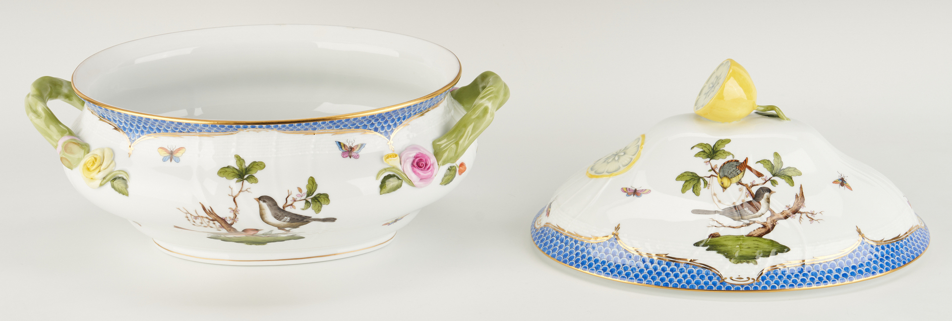 Lot 312: 12 Pcs. Herend Rothschild Blue Bird, incl. Tureen and Placecard Holders