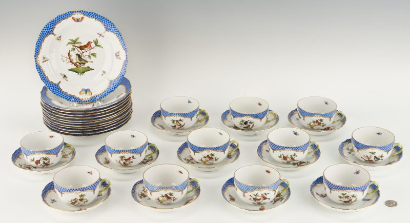 Lot 314: 36 Herend Rothschild Bird Blue Pattern Items