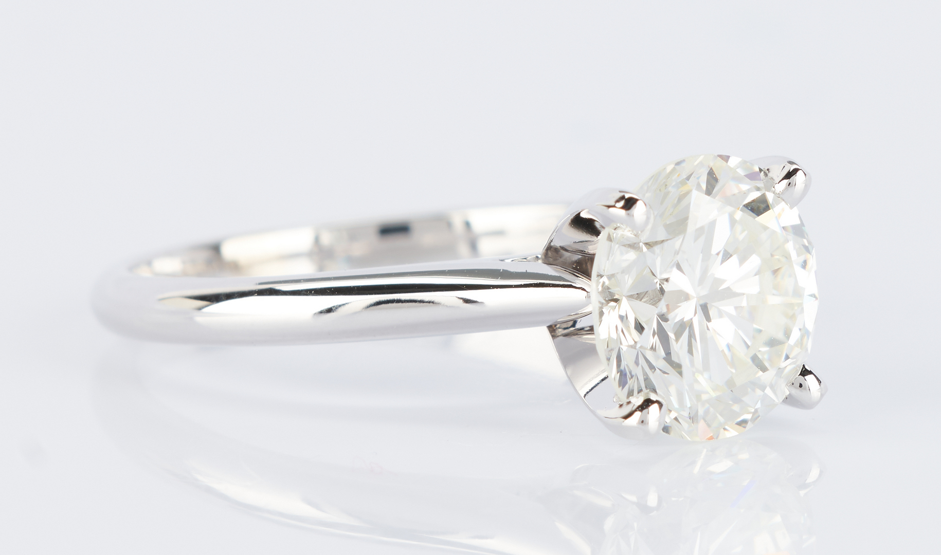 Lot 32: Ladies 2.93 ct. Round Brilliant Diamond Ring