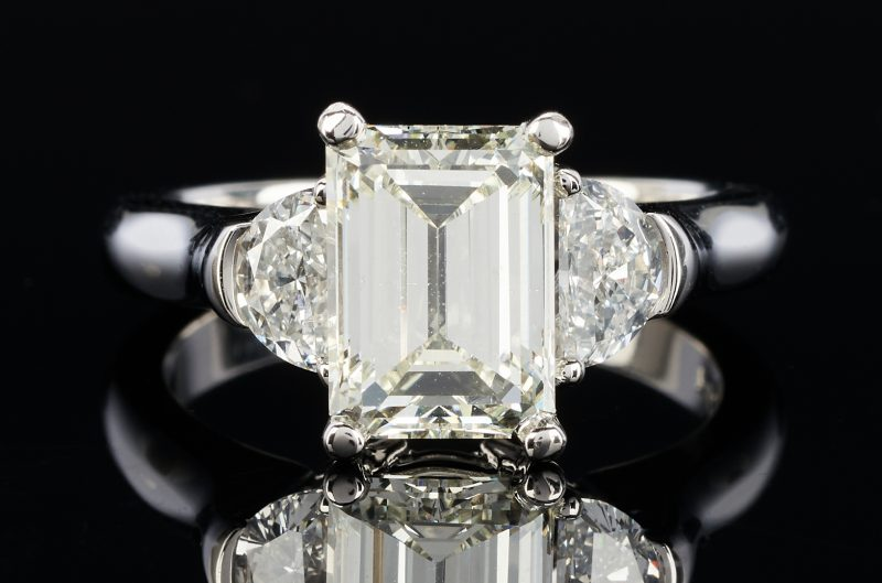 Lot 39: Ladies 3.19 Carat Platinum Diamond Engagement Ring