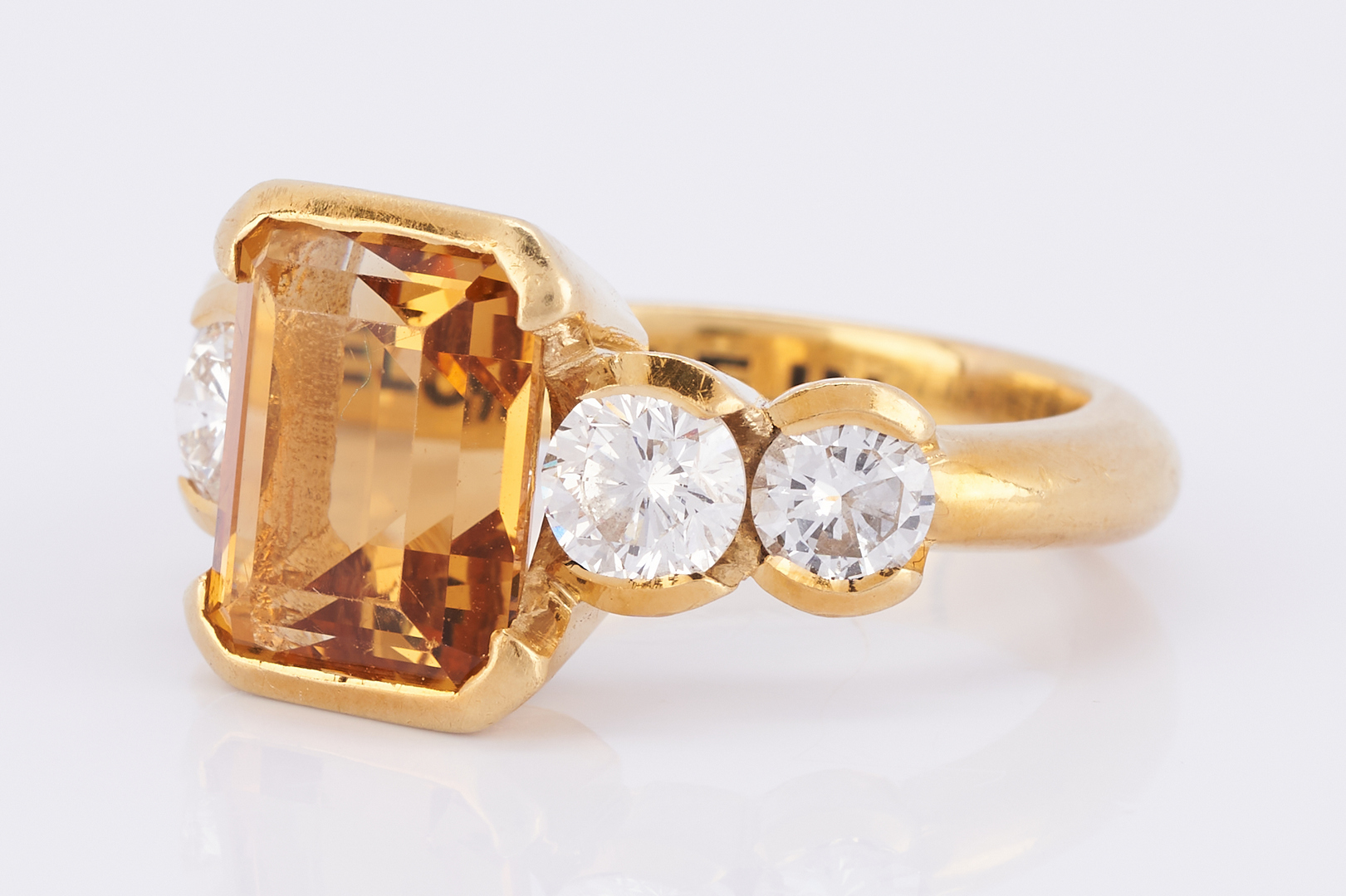 Lot 509: 18K Citrine Diamond Fashion Ring