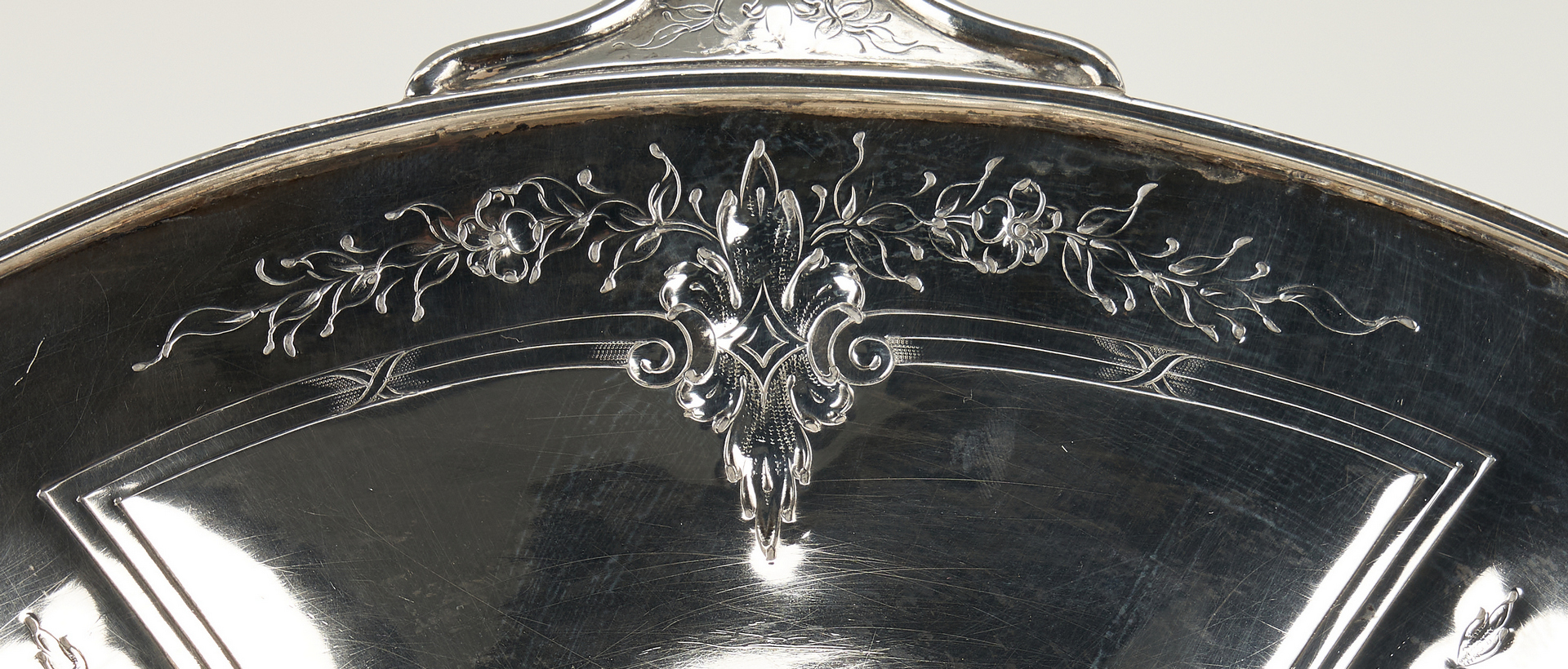 Lot 513: Barbour Silver Company Sterling Silver Basket