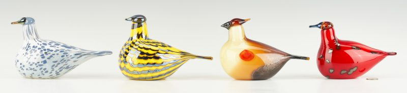 Lot 548: 4 Iittala Oiva Toikka Art Glass Birds