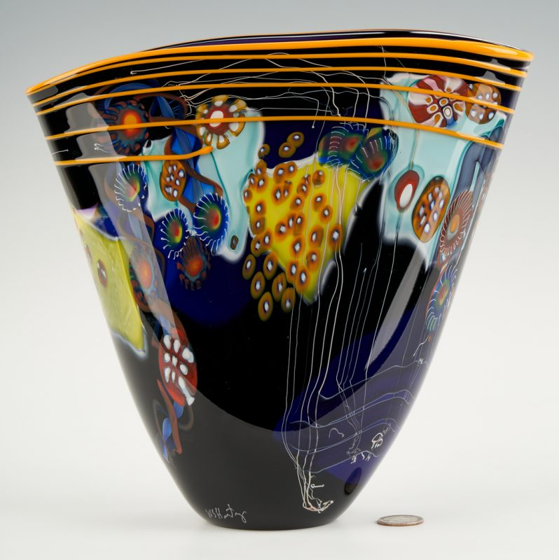 Lot 550: Wes Hunting Art Glass Vase