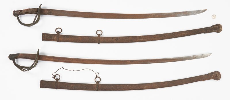 Lot 707: 2 Civil War East TN Battlefield Pickup Swords