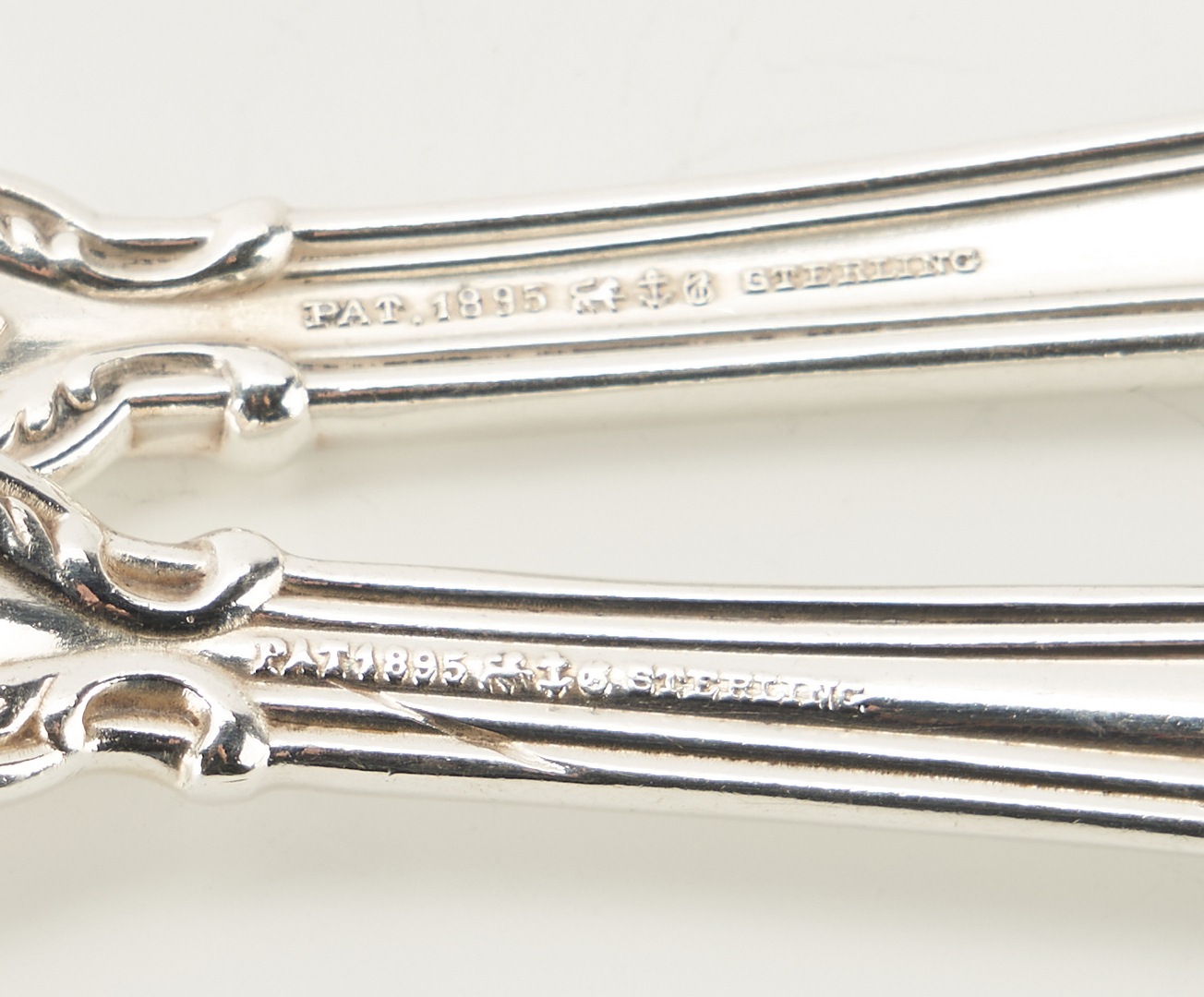 Lot 73: 154 Pcs. Gorham Chantilly Pattern Sterling Silver Flatware