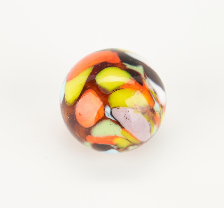 Lot 796: 4 Christensen Agate Company Guinea Marbles