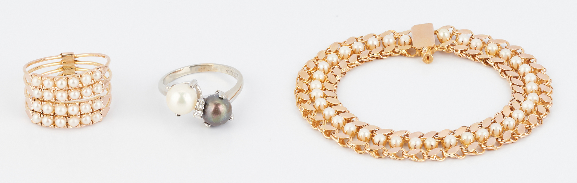 Lot 854: 3 Ladies Pearl & Gold Jewelry Items