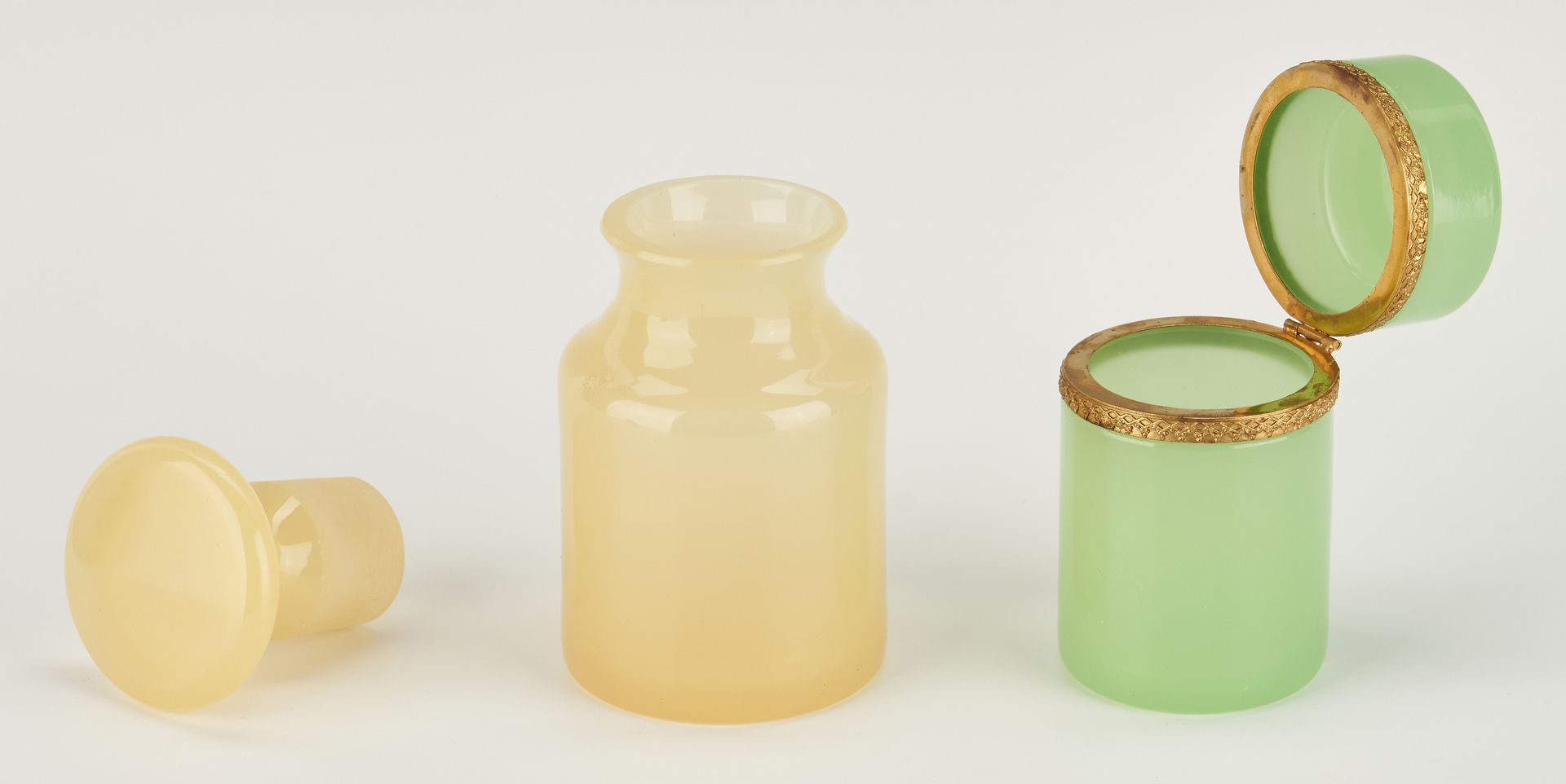 Lot 876: 12 Cenedese Murano Glass Decorative Items