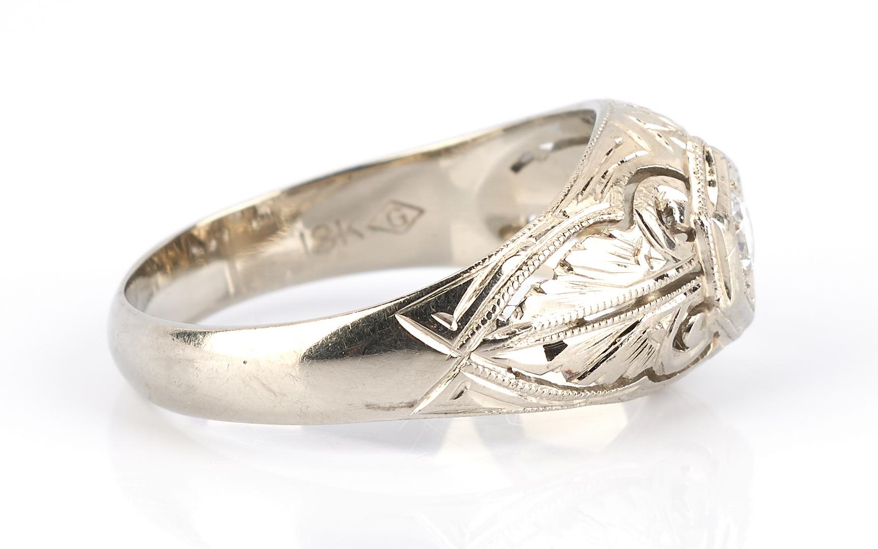 Lot 920: Ladies 18K White Gold Filigree & Diamond Ring
