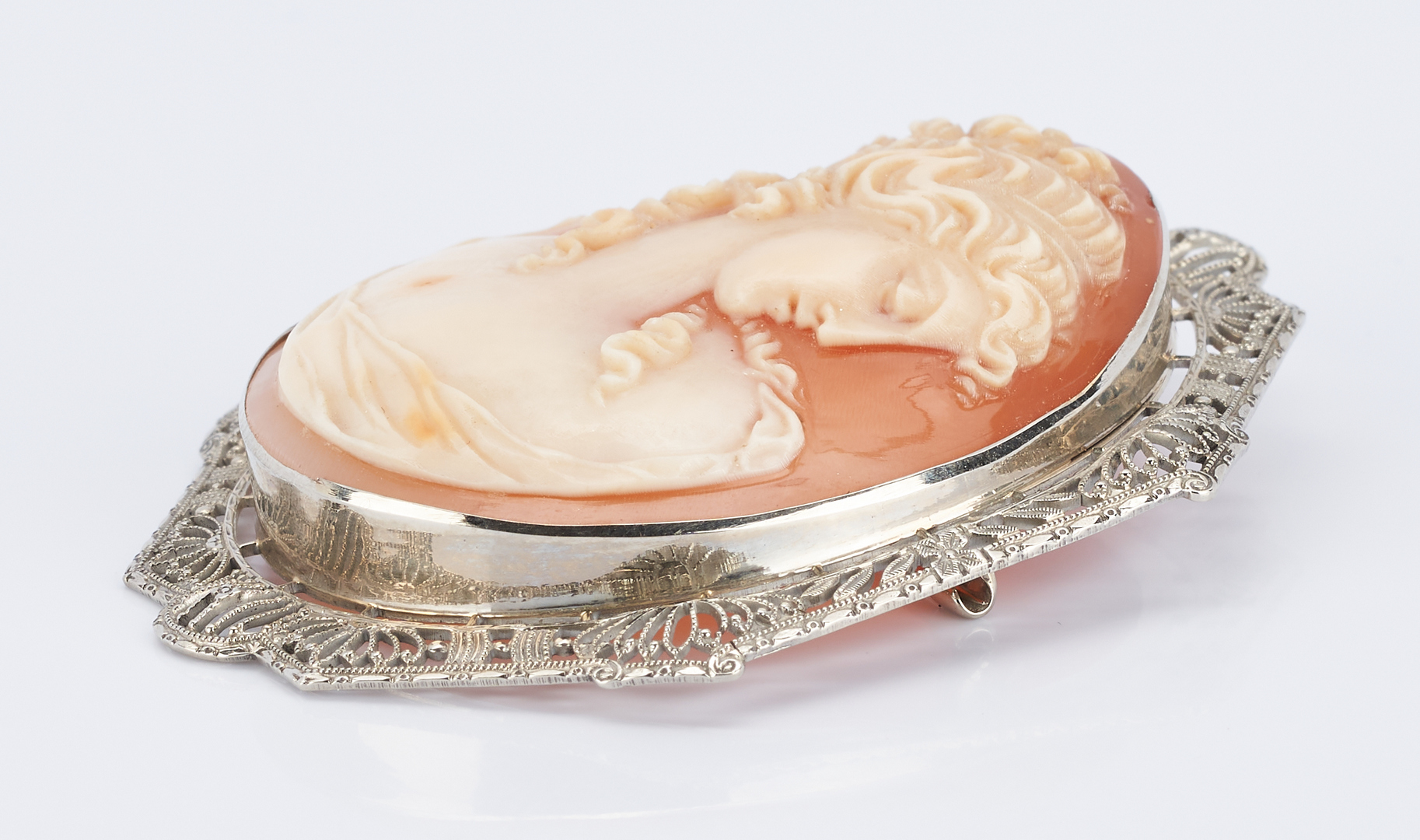 Lot 923: Ladies 14K Gold & Cameo Brooch