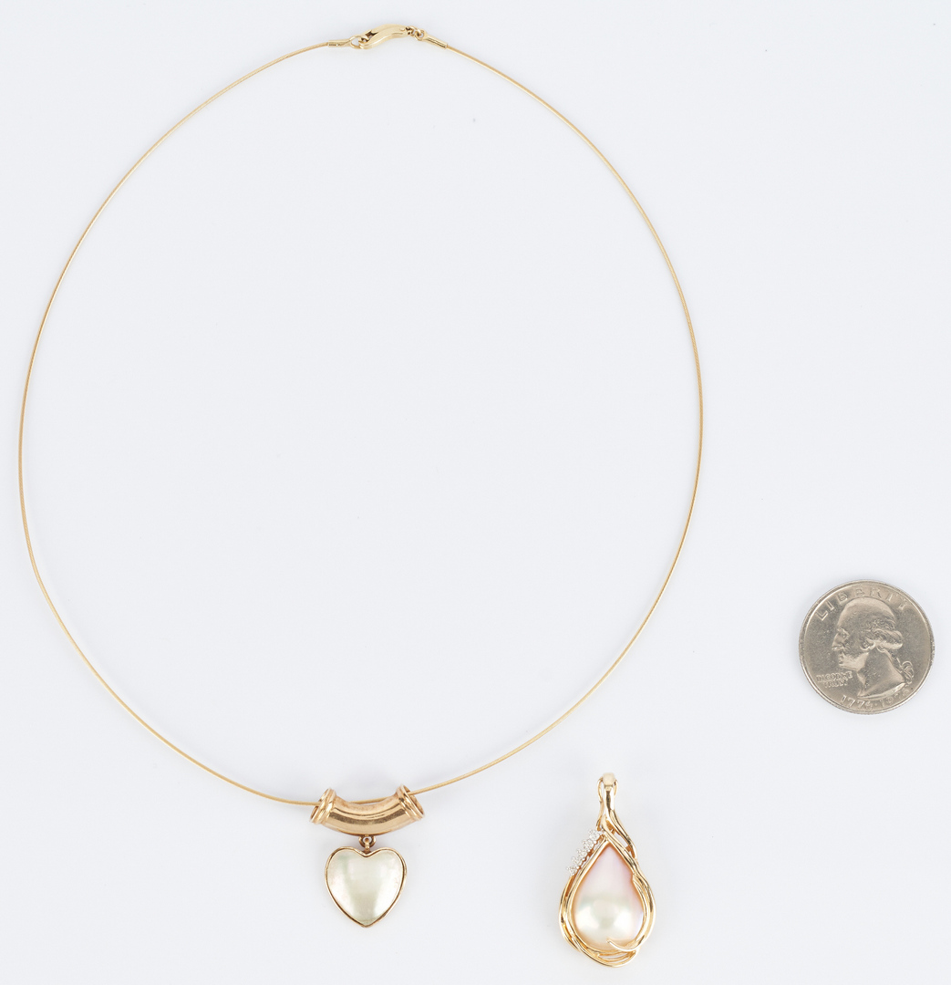 Lot 924: 14K Necklace & 2 Mother-of-Pearl Pendants