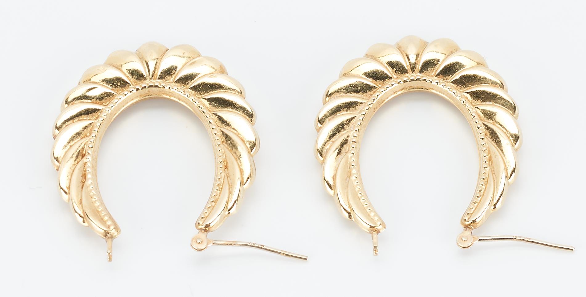Lot 928: 3 Pairs Ladies 14K Gold Hoop Earrings