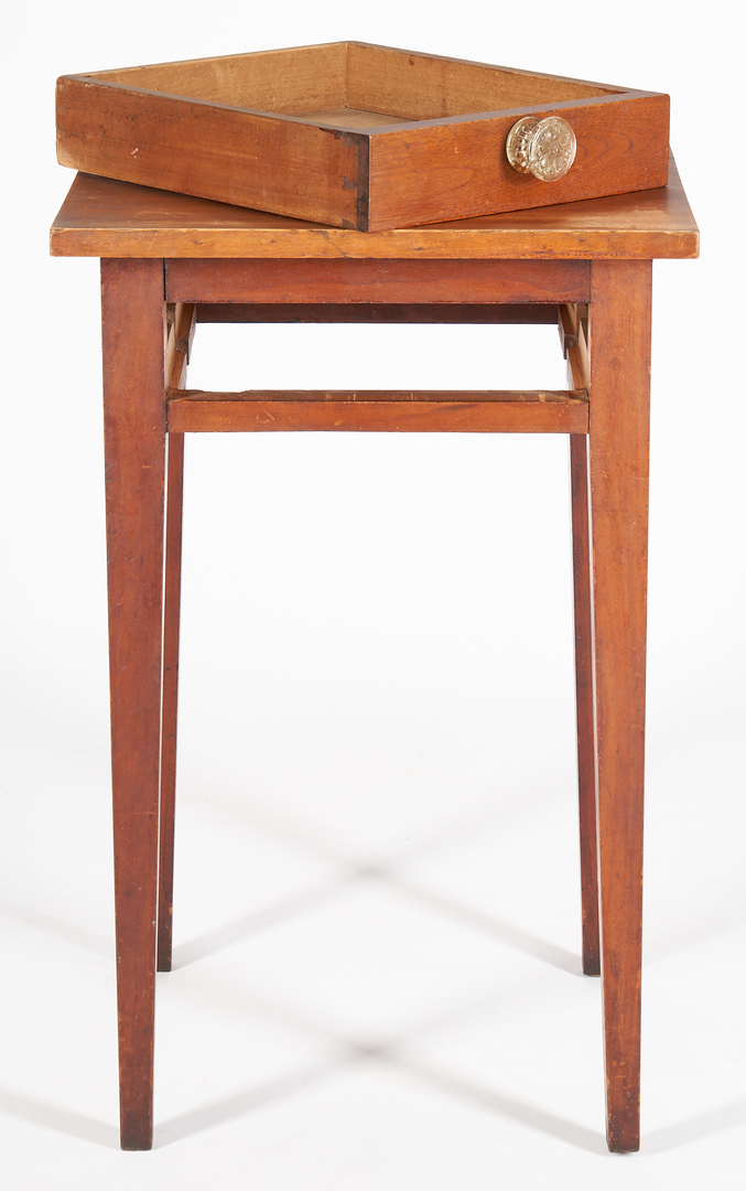Lot 1032: Southern Diminutive Hepplewhite Style Table