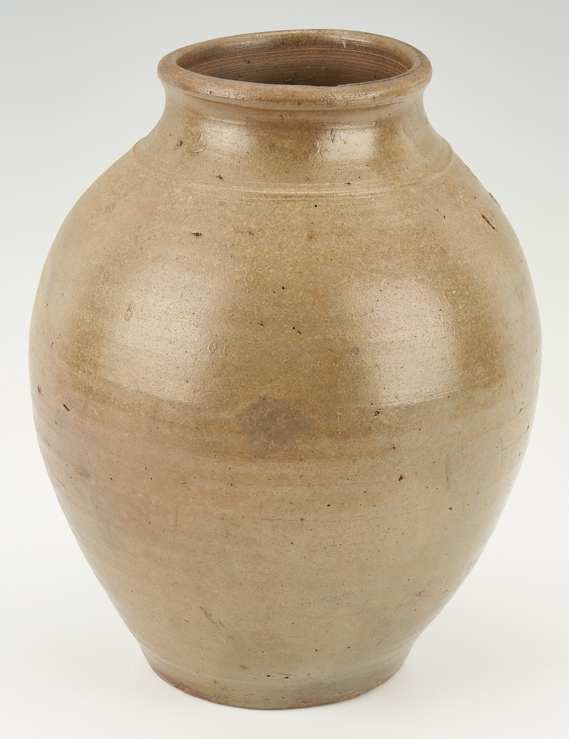 Lot 1040: 2 Southern Stoneware Pottery Pieces