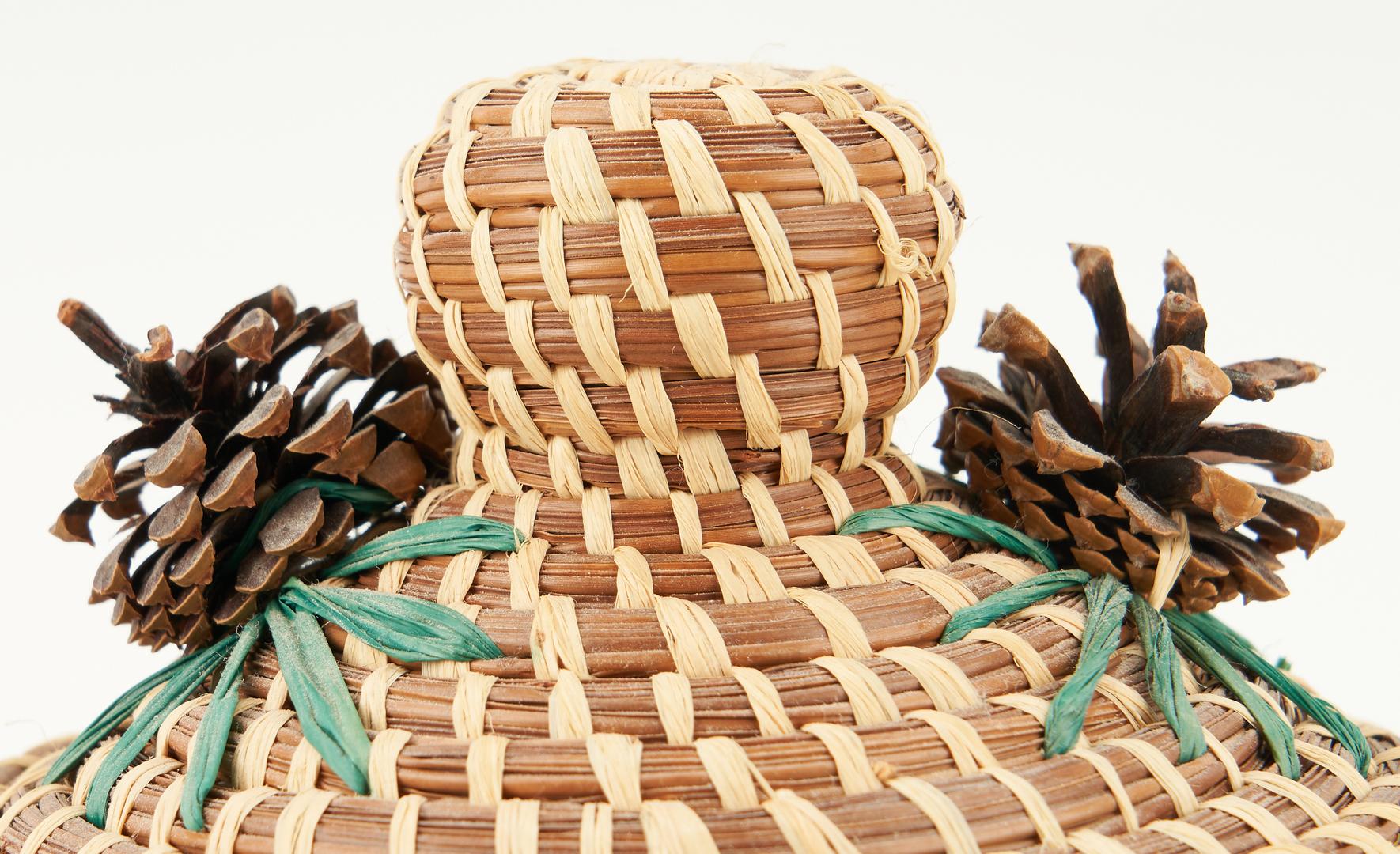 Lot 1102: 4 Native American Coushatta Baskets, incl. Figural